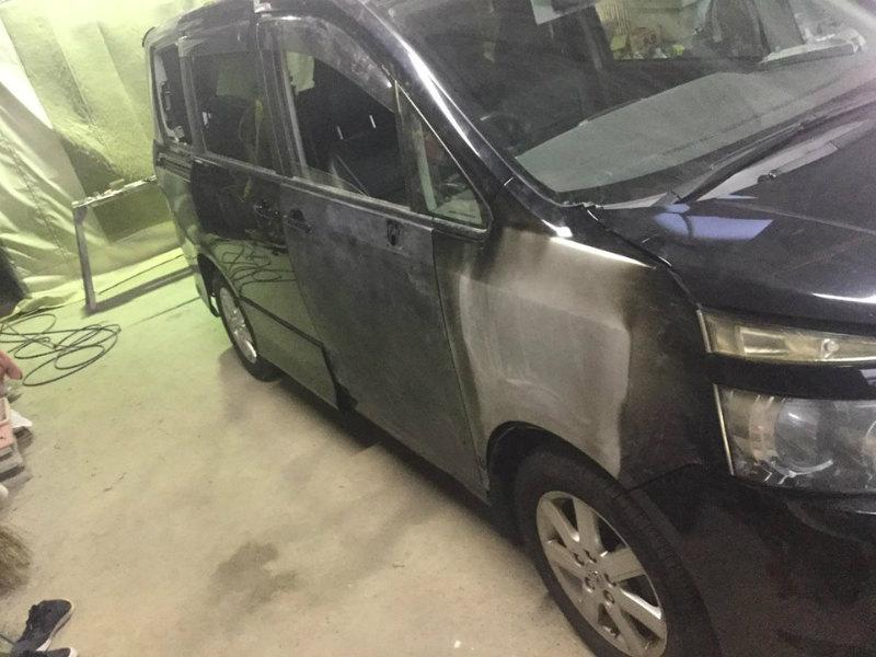 ヴォクシー交通事故修理