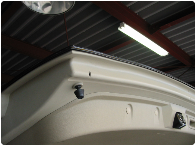 バックドア内張りプラスチック部分の修理04