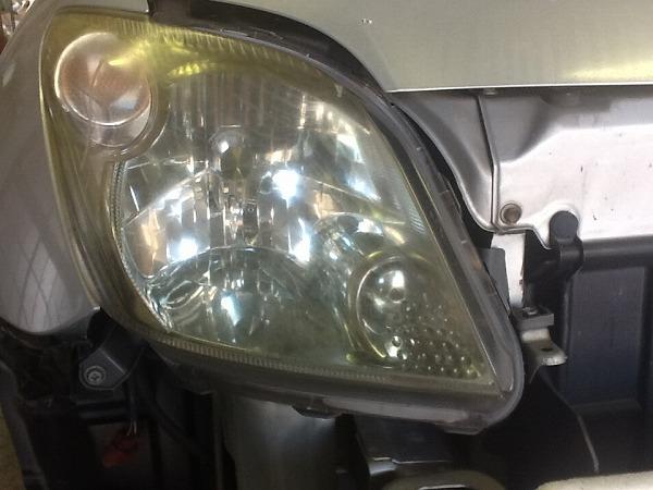 ヘッドライト黄ばみ磨き04