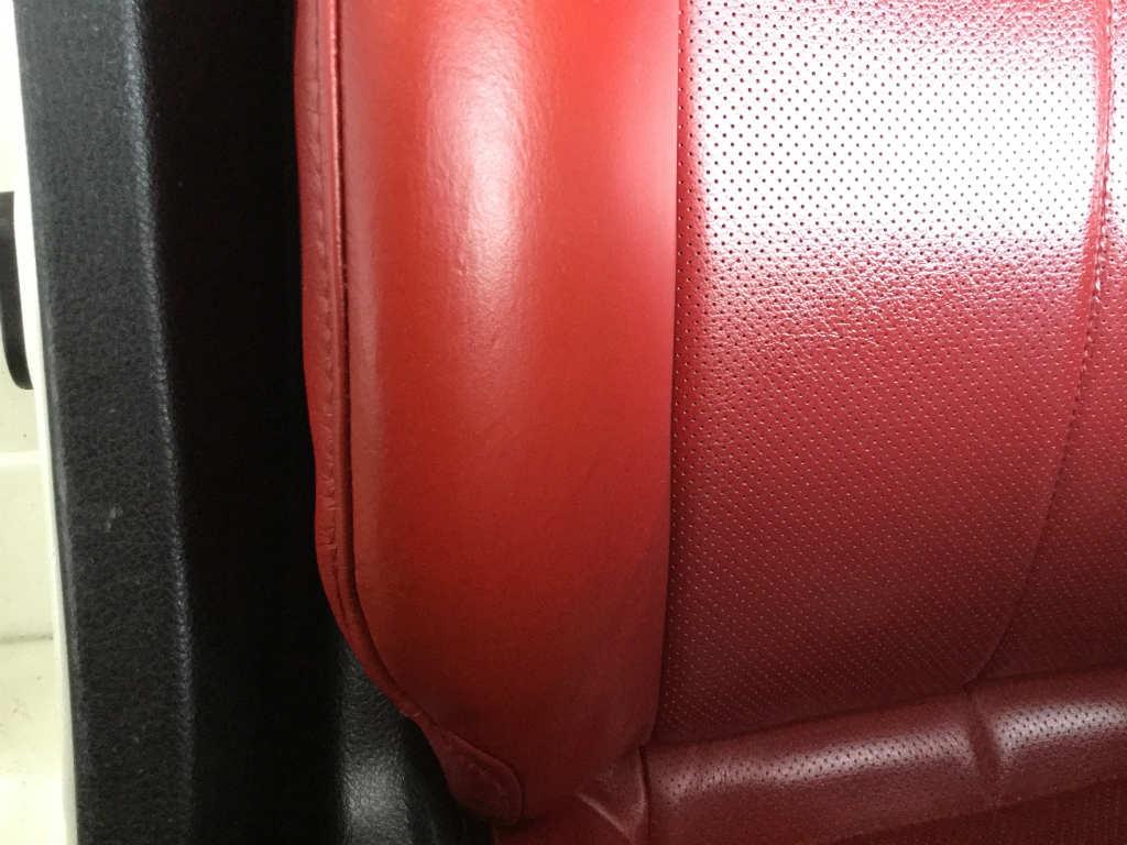 革シートの色剥げ補修