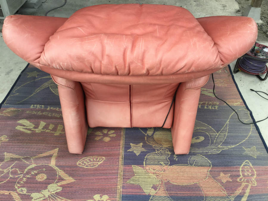 革製ソファーの擦れ・色剥げ01